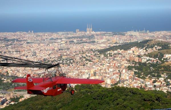 Tibidabo red plane